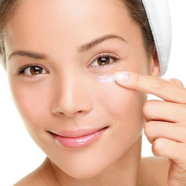 Điều nên làm khi có Nếp nhăn ở mắt xuất hiện?